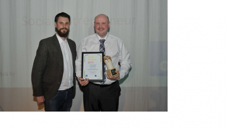 ESP's Graham Jones handing Tony Gledhill his SEYH award